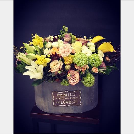 Буйство цветов и цвета: букеты цветов на заказ Flowwow