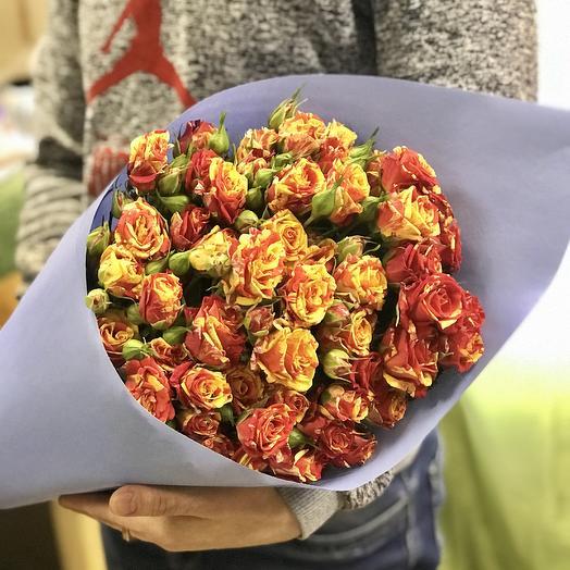 Кустовые розы в букете: букеты цветов на заказ Flowwow