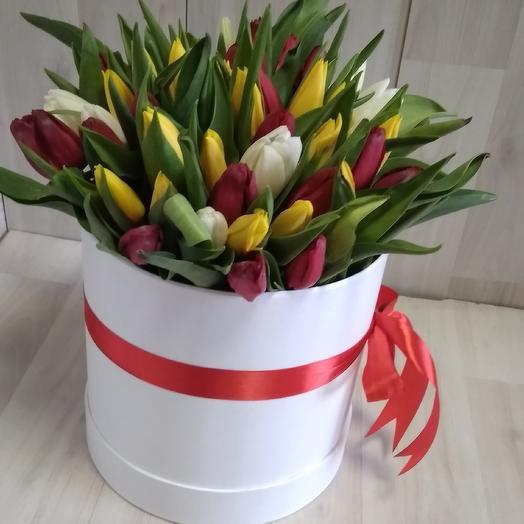 51 Тюльпан микс в коробке: букеты цветов на заказ Flowwow