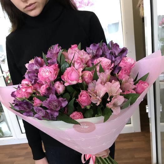 Букет из альстромерии и розы: букеты цветов на заказ Flowwow
