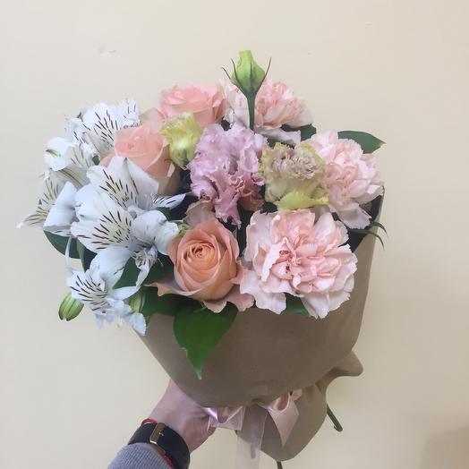 Букет комплимент «персиковое пралине»: букеты цветов на заказ Flowwow