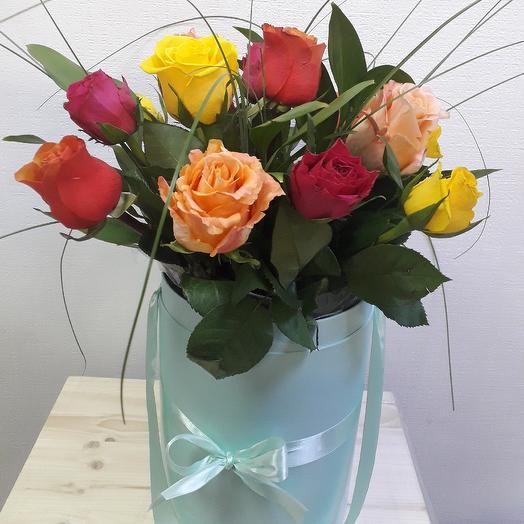 Коробочка с розочками: букеты цветов на заказ Flowwow