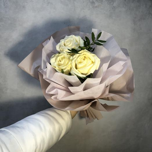 3 шикарные розочки: букеты цветов на заказ Flowwow