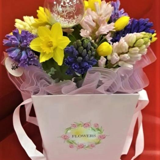Коробка-микс прелестница: букеты цветов на заказ Flowwow