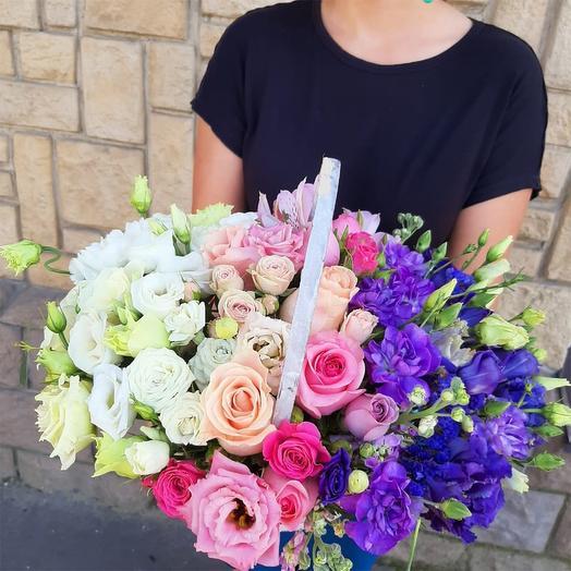 """Цветы в корзине """"Кусочек радуги"""""""