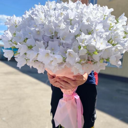 Букет из 101 колокольчика: букеты цветов на заказ Flowwow