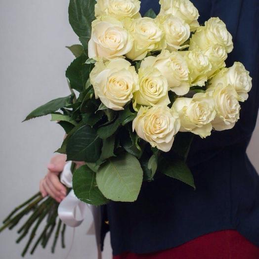 11белых роз