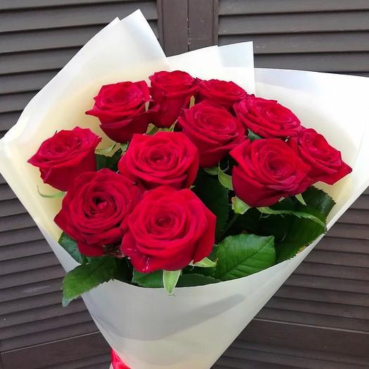11 красных роз 70 см