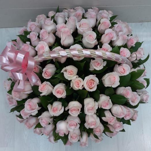 Корзина с цветами 101 Роза