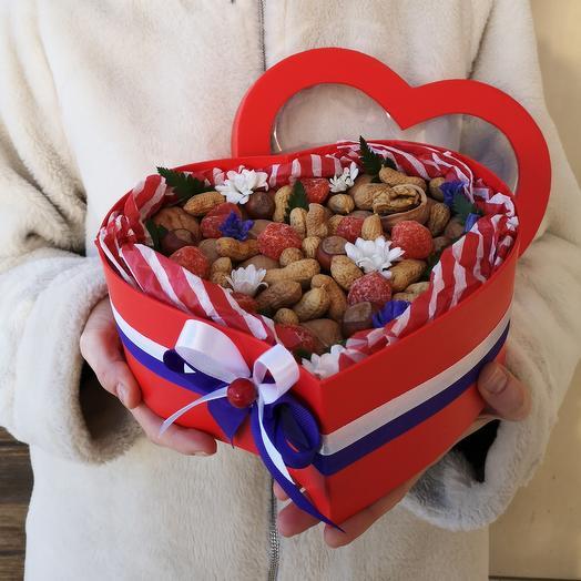 "Коробка с орехами ""Ореховое сердце"""