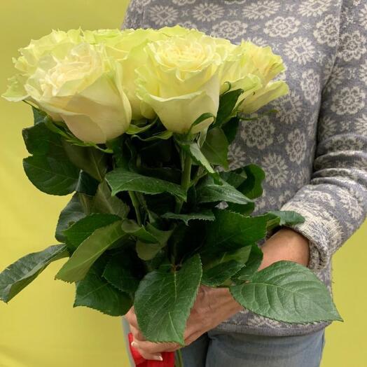 Букет из 11 белых элитных роз