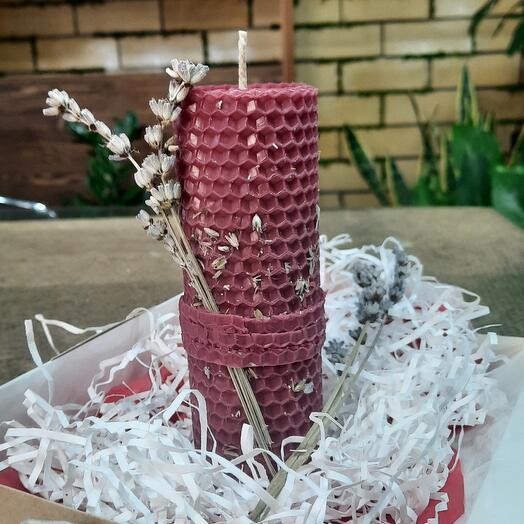 Свеча с лавандой ручной работы