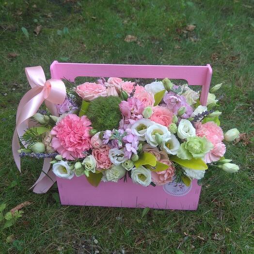Ящичек с цветами и лавандой