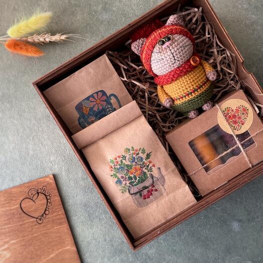 Подарочный набор: 2 чая, пастила, осенний котик