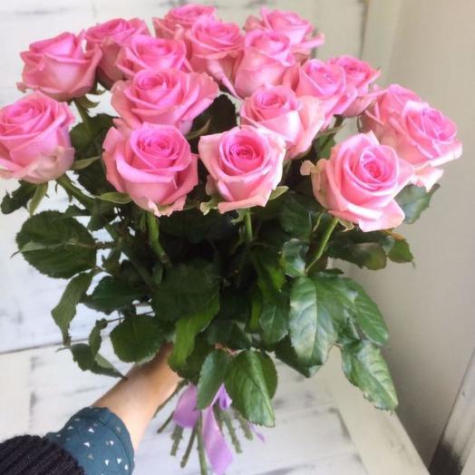 Букет из 17 розовых роз 60 см: букеты цветов на заказ Flowwow