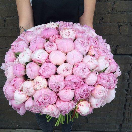 Букет из 101 розового пиона: букеты цветов на заказ Flowwow