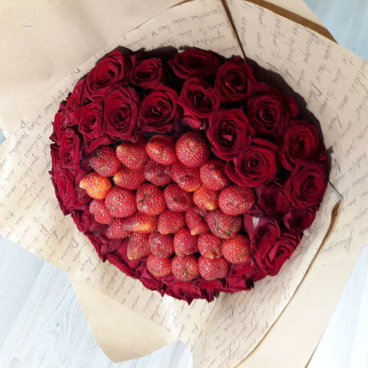 Букет из клубники: букеты цветов на заказ Flowwow