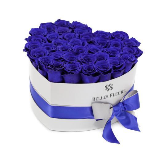 Букет вечных фиолетовых роз в шляпной коробке: букеты цветов на заказ Flowwow