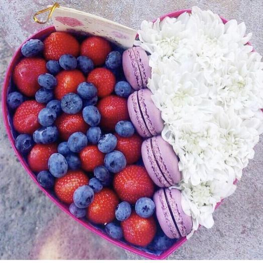 Сладкая коробка «Тамра»: букеты цветов на заказ Flowwow