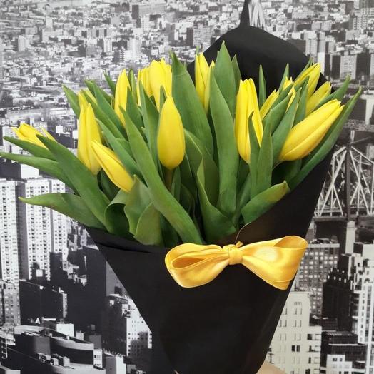"""Букет """"желтое в черном"""": букеты цветов на заказ Flowwow"""
