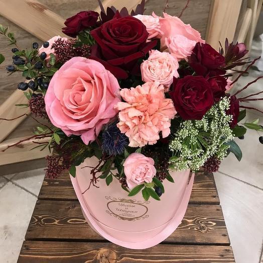 Яркий букет в коробке: букеты цветов на заказ Flowwow