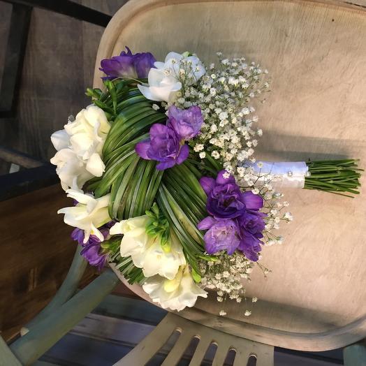 Ароматная фрезия: букеты цветов на заказ Flowwow