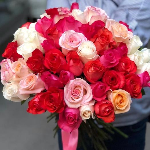 51 роза Эквадор микс: букеты цветов на заказ Flowwow