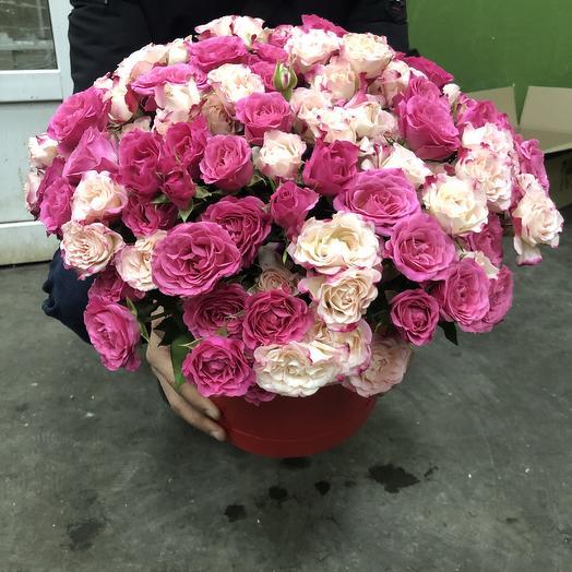 Кустовые розы 51 шт в шляпной коробке: букеты цветов на заказ Flowwow