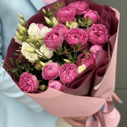 Букет из эустомы и кустовой розы Акварель