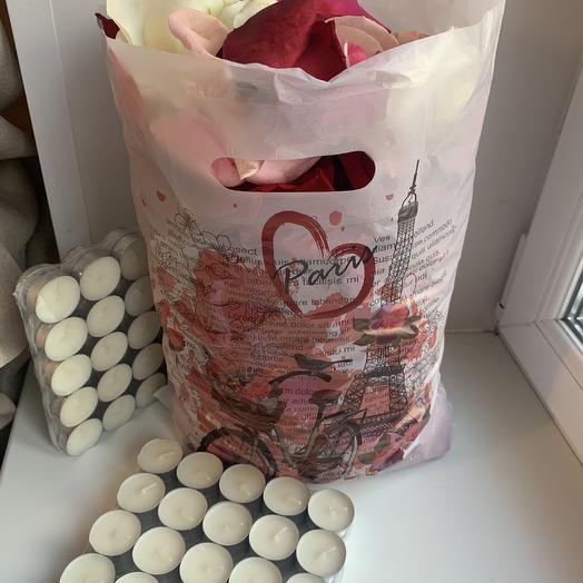 Лепестки роз разноцветные и 100 свечей