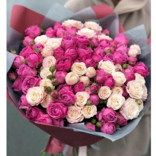 35 пионовидных кустовых роз
