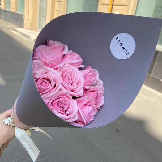 🌸 Букет из 9 роз в плотной бумаге