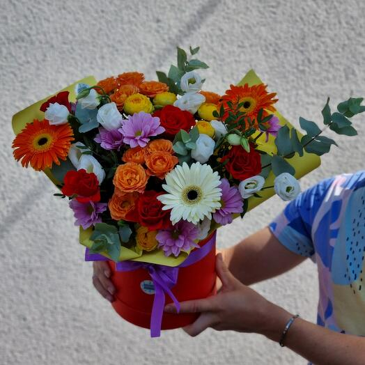 Цветы в коробке Марди Гра