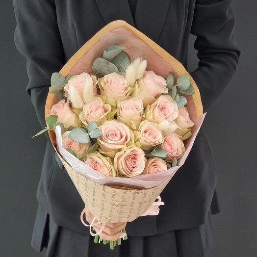 Роза с эвкалиптом 15шт
