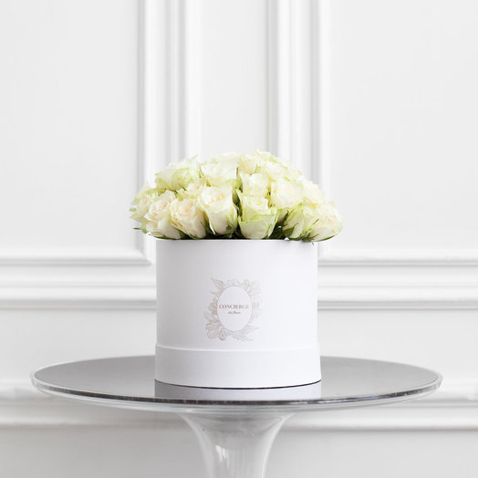 Букет AMELIE в шляпной коробке Medium: букеты цветов на заказ Flowwow