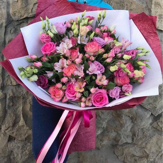 Яркий сборный: букеты цветов на заказ Flowwow