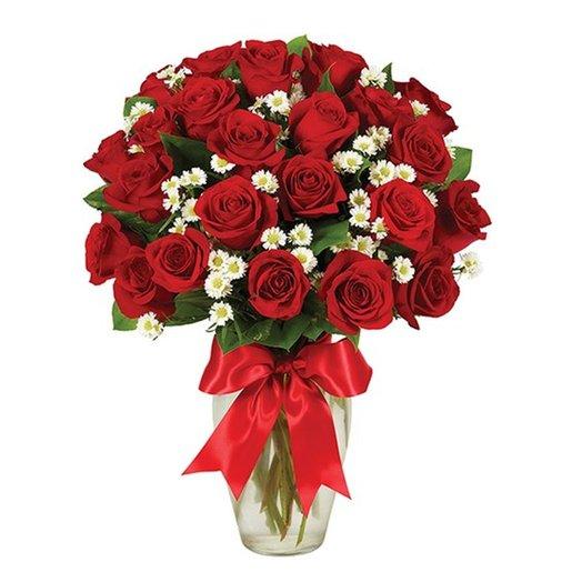 """Букет """"Розы-ромашки"""" из 35 красных роз и 10 хризантем. Код 180097"""