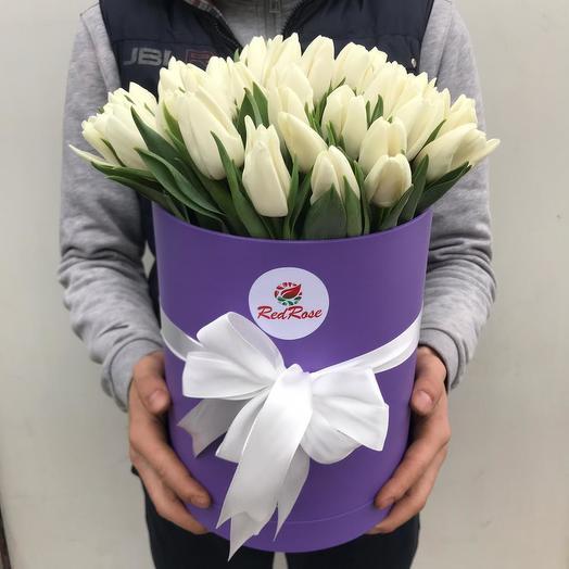 Белоснежные тюльпаны в коробке: букеты цветов на заказ Flowwow