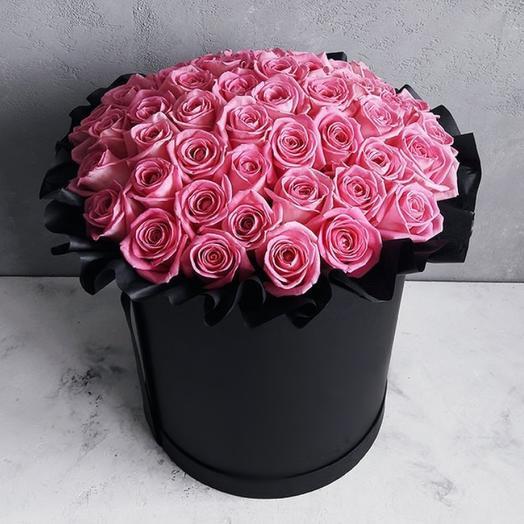 51 розовая роза в шляпной коробке: букеты цветов на заказ Flowwow
