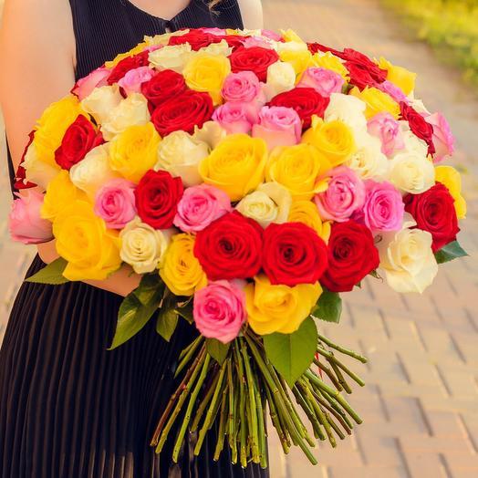 Букет из 71 разноцветной розы (60см): букеты цветов на заказ Flowwow