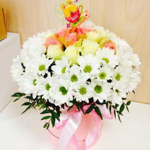 Коробочка с цветами Сюрприз: букеты цветов на заказ Flowwow