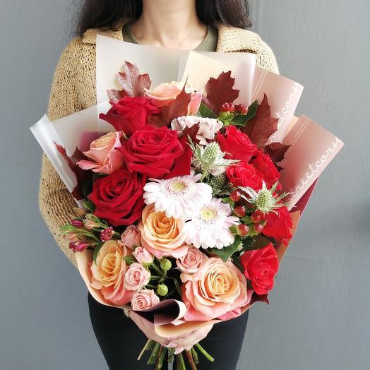Осенний букет с розами и герберой: букеты цветов на заказ Flowwow