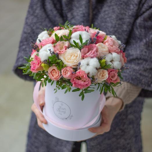Цветы в шляпной коробке «Оливия»