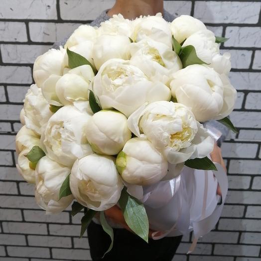 Белые восхитительные пионы: букеты цветов на заказ Flowwow