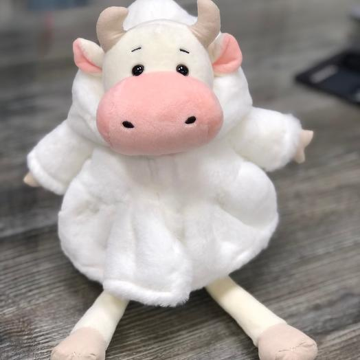 Коровка в белой шубке