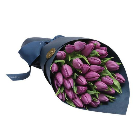 Букет из 29 сиреневых тюльпанов