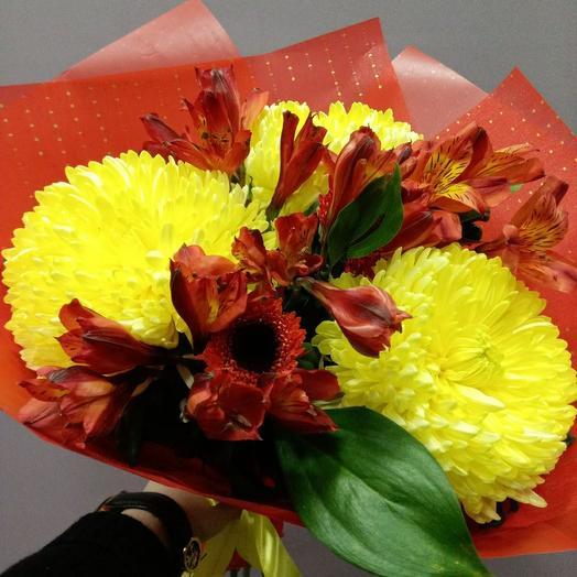 Букет из 3 одноголовых хризантем и альстромерий