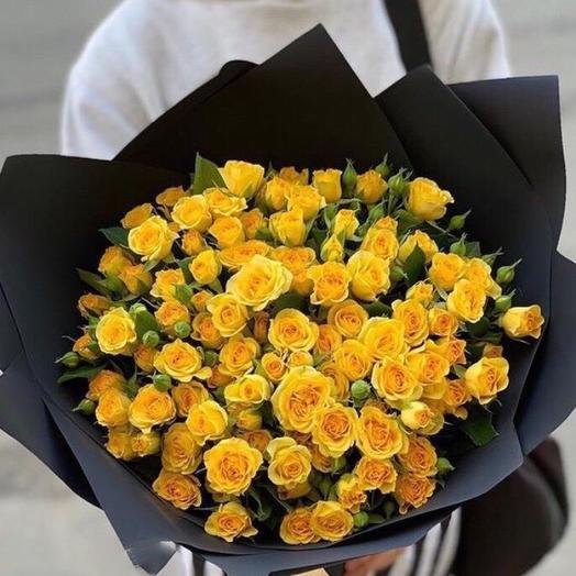 Букет жёлтых кустовых Роз
