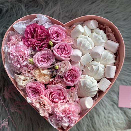 Композиция Роз, Эустом и Диантусов