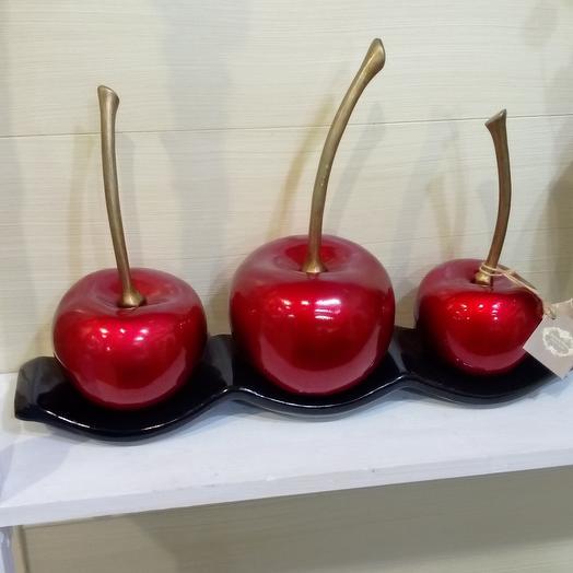 Сочные вишни